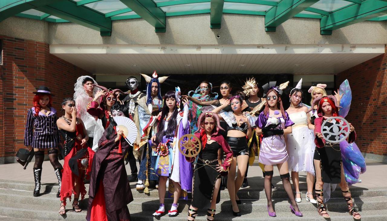 弘光科大學生今天角色扮演,各種電玩遊戲主角都上場。記者游振昇/攝影