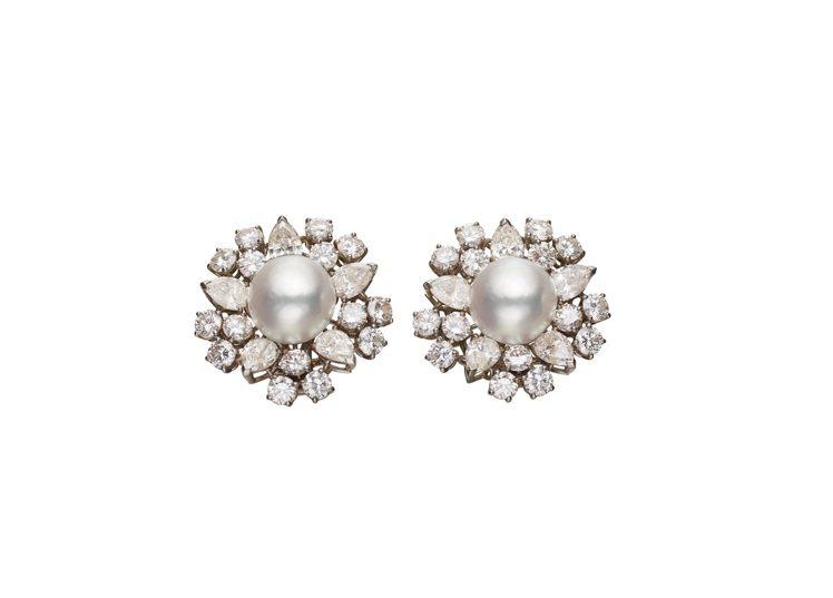 Heritage典藏系列珍珠鑽石耳環,曾為奧黛麗赫本收藏之一,現為私人收藏,創作...