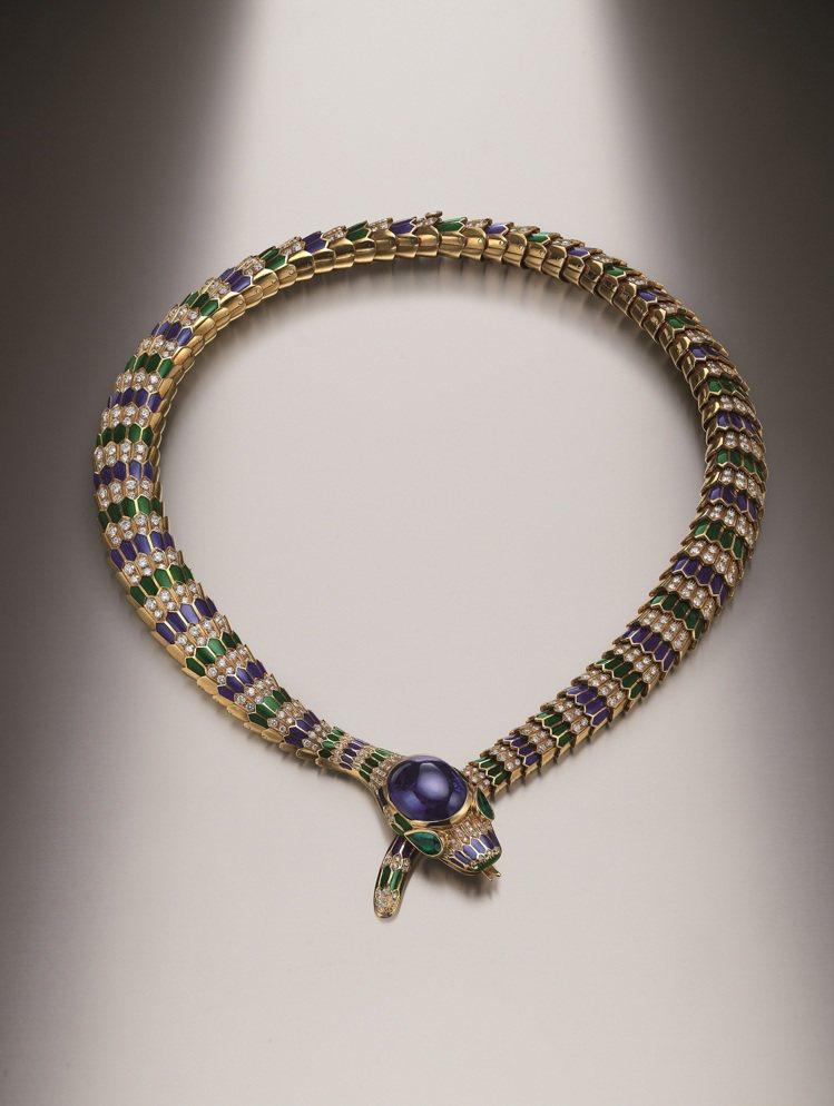Heritage典藏系列Serpenti黃K金彩色琺瑯項鍊,創作時間約1969年...