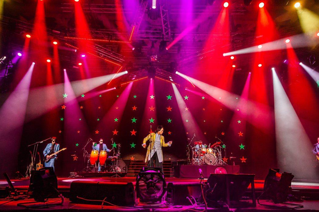 伍佰出道30周年「Rock Star」演唱會將於明年4月18日唱進台中圓滿戶外劇...