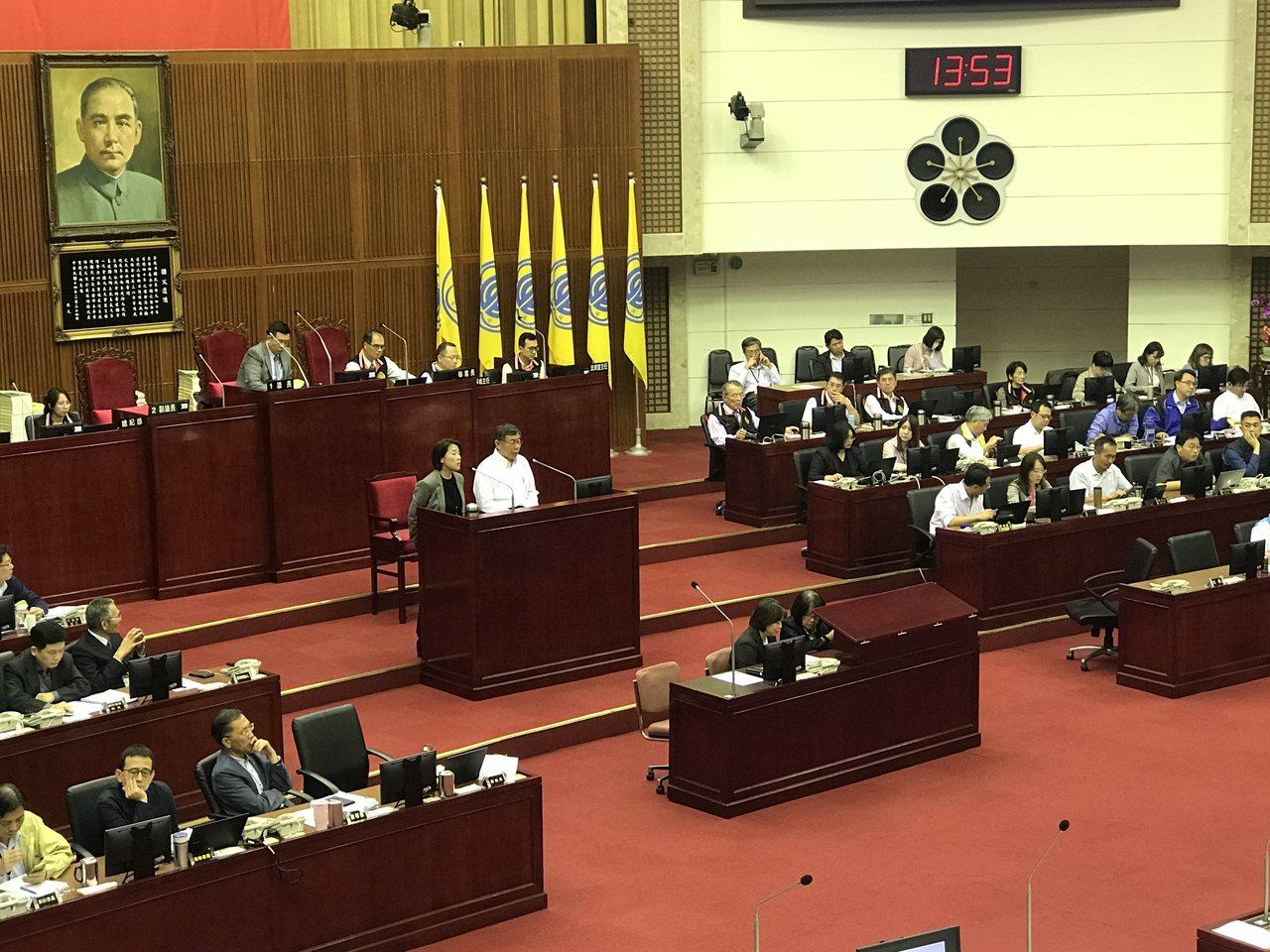 台北市議會下午進行總質詢。記者楊正海/攝影