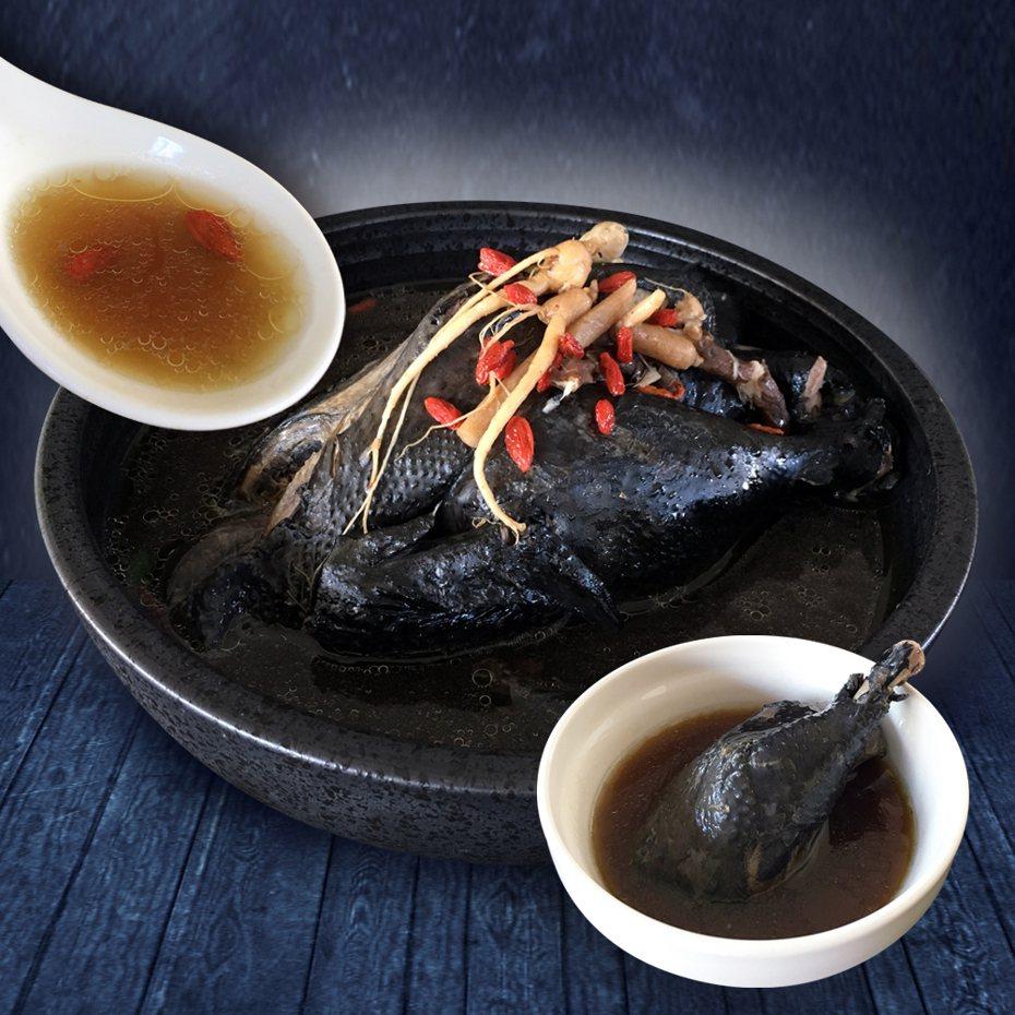 明星商品「饗城鹿茸烏骨雞湯」是老饕最愛。圖/全聯提供