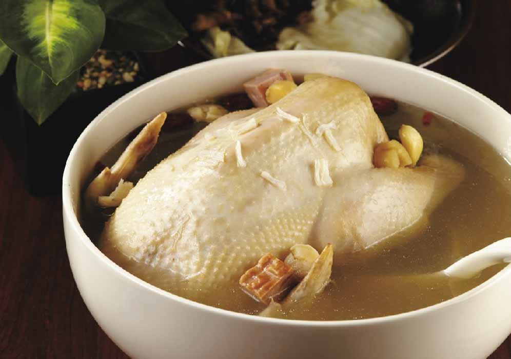 「饗城金華干貝燉雞湯」湯頭香醇。圖/全聯提供