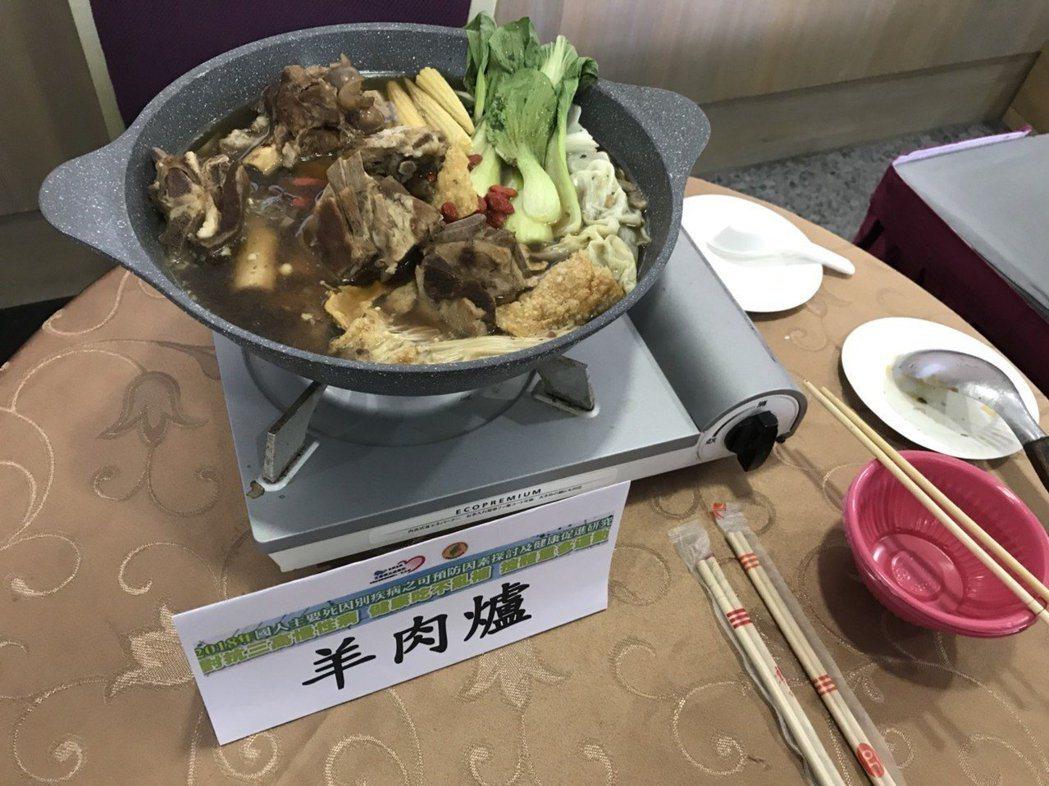 中醫師表示,民眾立冬時要小心風寒、過敏性鼻炎等疾病外,透過十全大補、四神湯、羊肉...