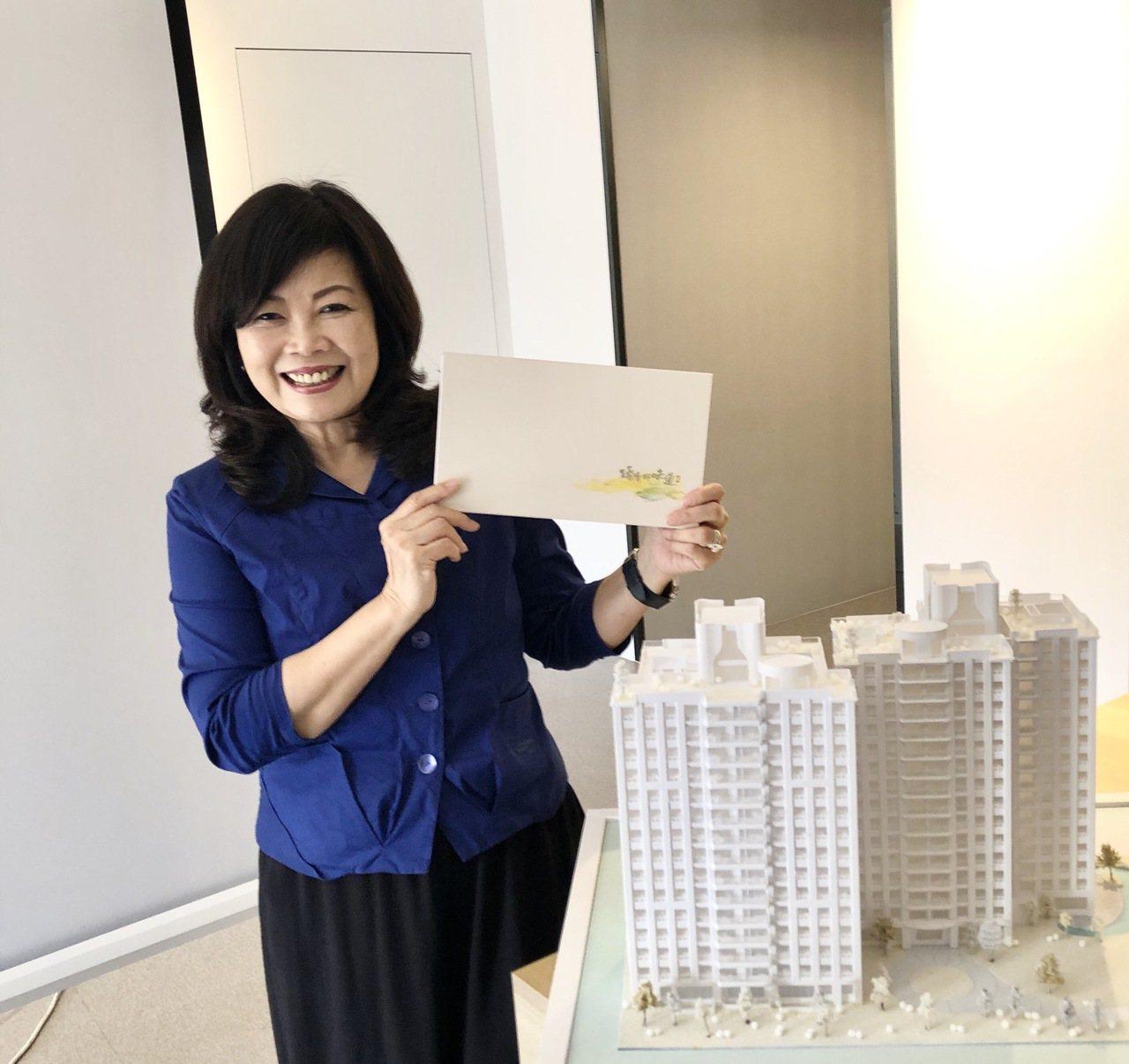 龍寶建設董事長張麗莉表示,龍寶在烏日高鐵站特區推出的「園臻邸」,訴求共生、共學、...