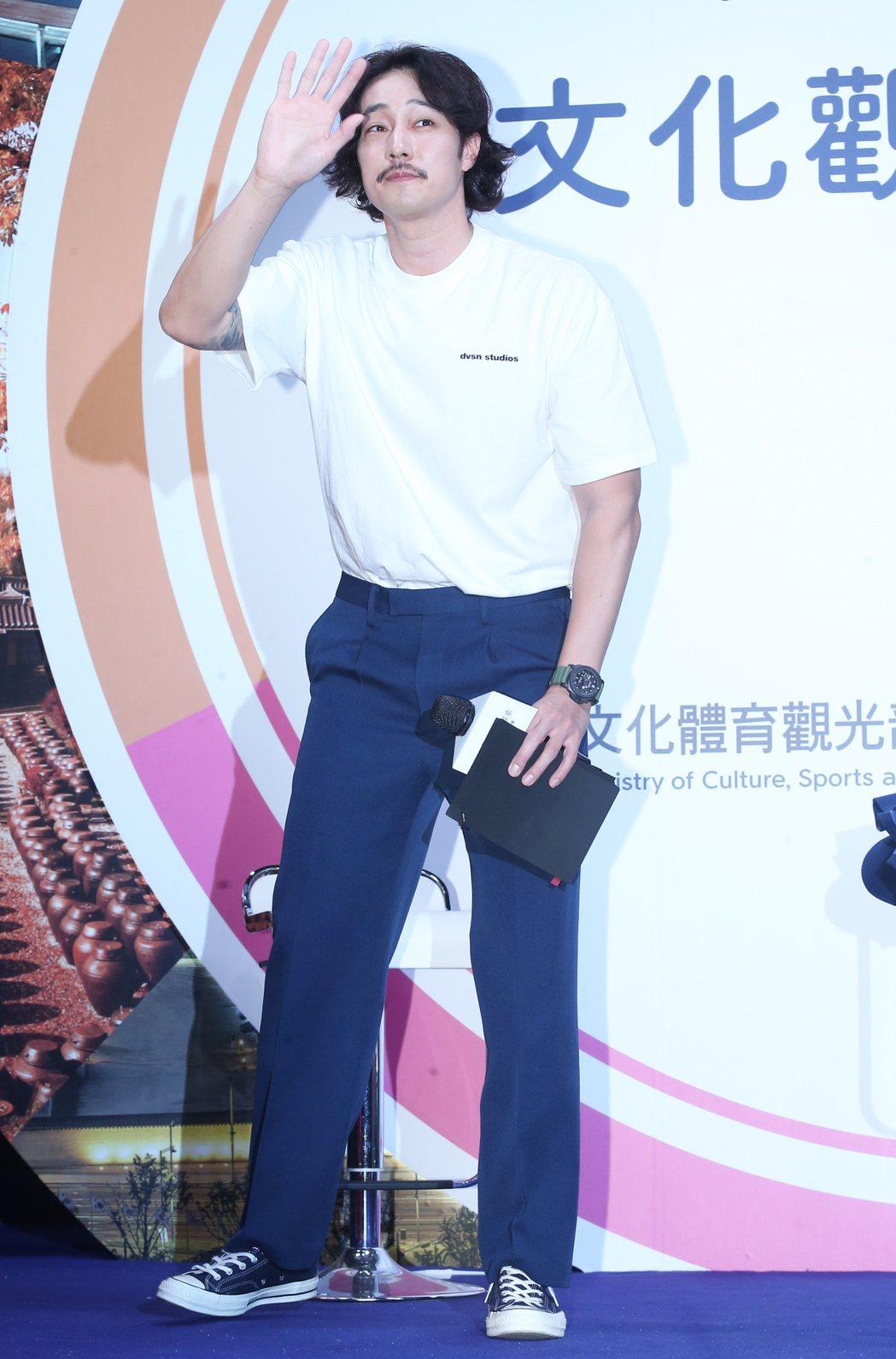 韓星蘇志燮繼今年2月在台舉辦見面會後再度登台,受邀參加2019台北旅展的韓國館開...