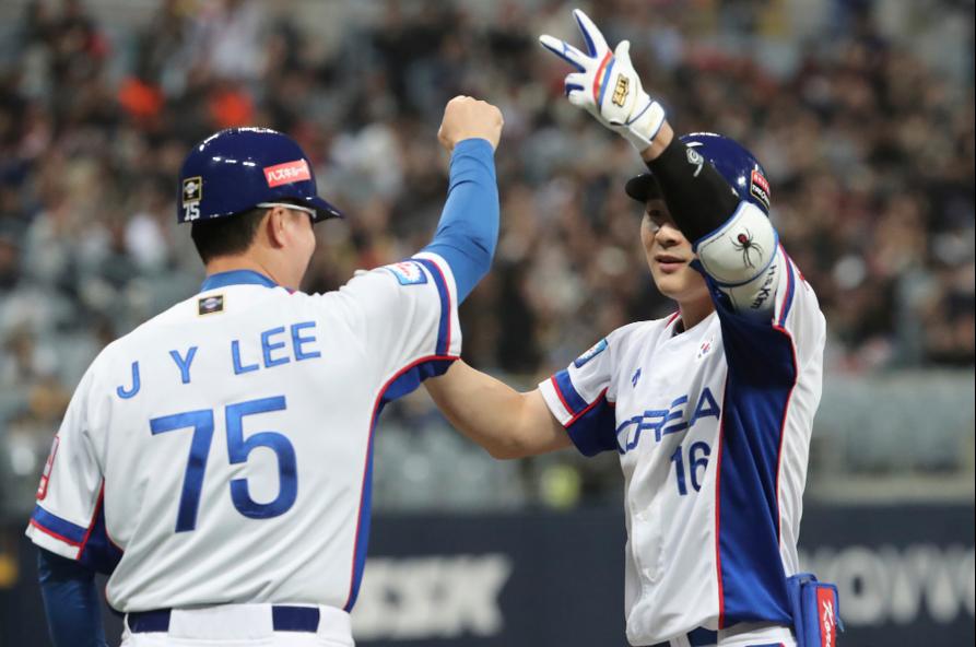 世界12強棒球賽預賽最後一戰,南韓隊終場以7:0擊敗古巴,收下3連勝,以分組第一...