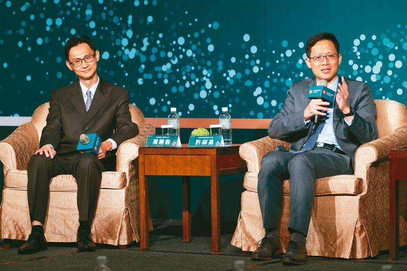 中國信託銀行理財智庫經理周剛毅(左)、資誠聯合會計師事務所會計師許祺昌(右)為中國信託銀行家庭傳承論壇主講人。 記者季相儒/攝影