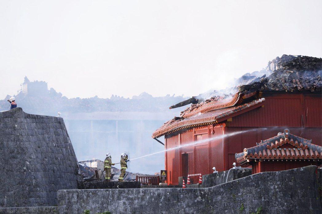 最近的日本運氣不佳,不但世界文化遺產首里城正殿等建築,發生火災而燒毀,另一個世界...