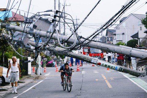 長期以來,日本的供電系統與電信固網等都大量使用電桿,一直為日本人所詬病。近年不少...