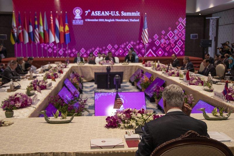 美國商務部發表的「藍點網路計劃」,顯示出美國刻正積極落實「重返亞洲」的決心。 圖/美聯社