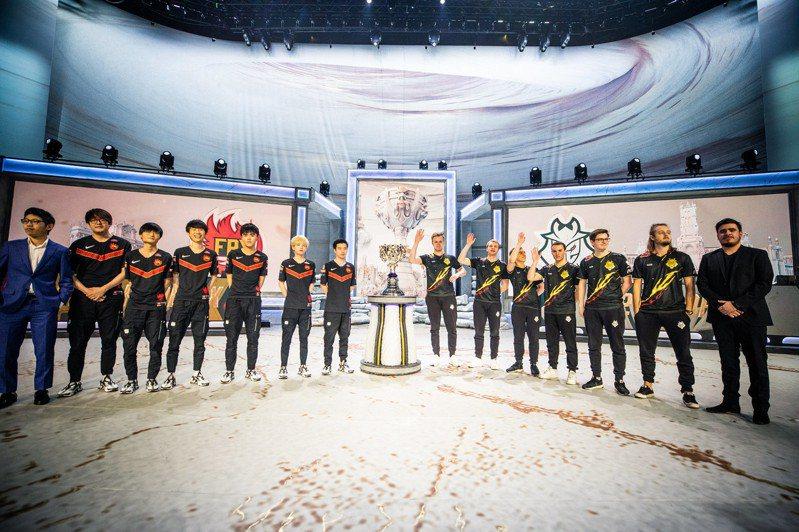 LOL S9 世界系列賽/決賽是今天!FPX對G2誰將贏得最後的榮耀