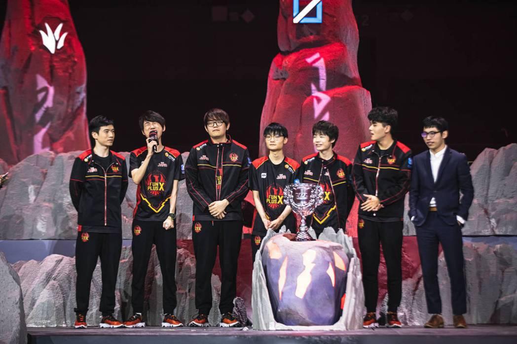 FPX對於英雄聯盟全球玩家來說算是比較陌生的隊伍,但是本屆世界賽的表現已經向眾人...