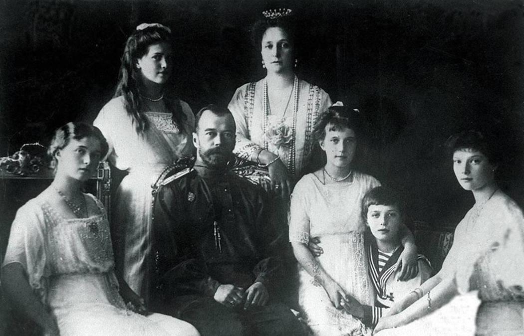 末代沙皇尼古拉二世一家。圖/法新社