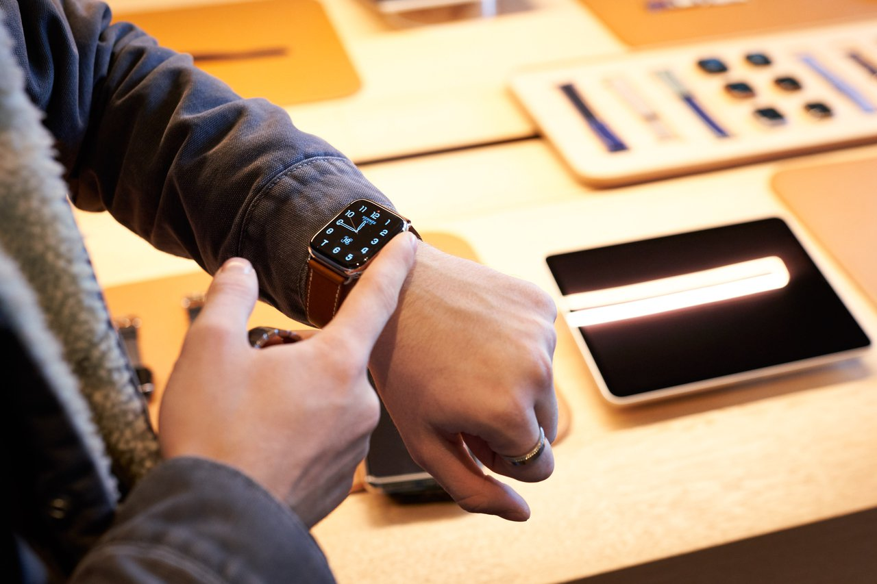 Apple Watch Series 5 LTE版搭配三大電信指定資費方案,最低...