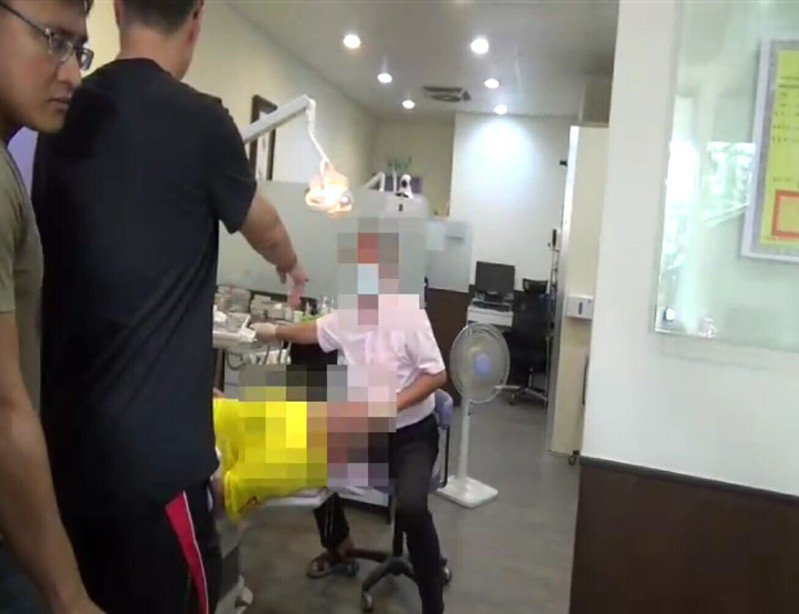 潘姓男子遇警方等單位查緝,他無醫師執照仍涉嫌看診。記者林保光/翻攝
