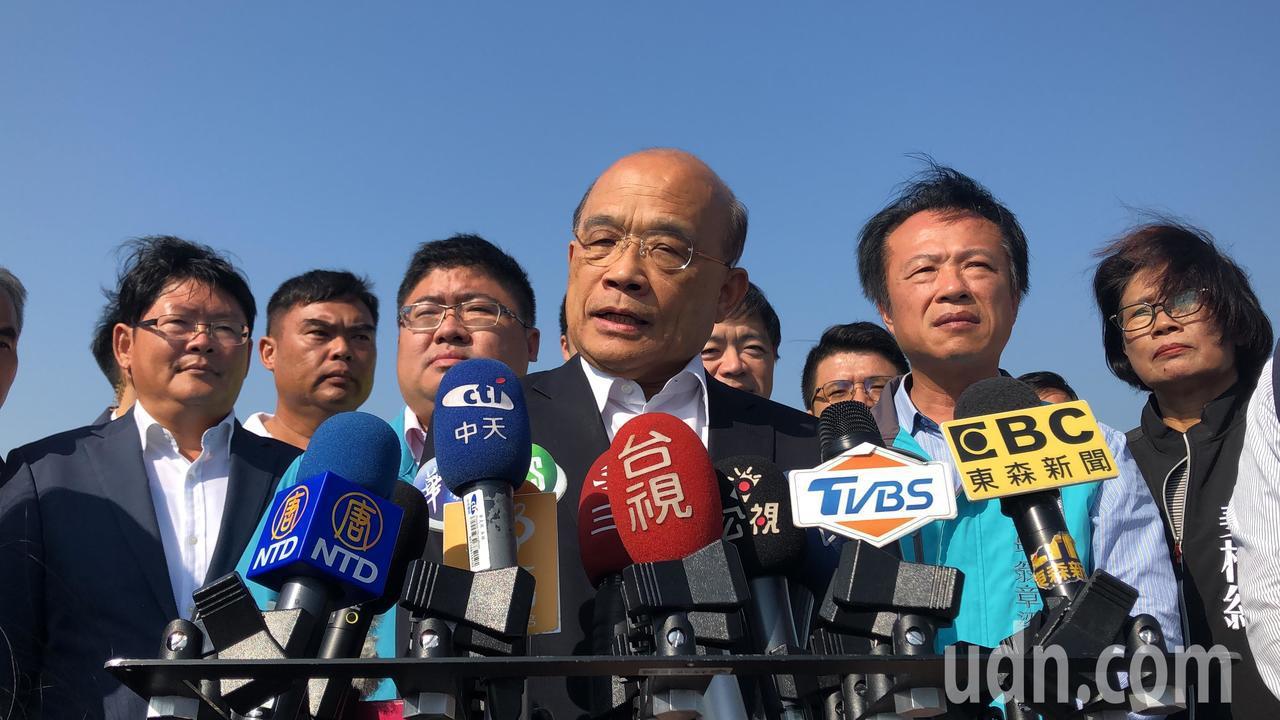 行政院長蘇貞昌受訪回應韓國瑜質疑國家機器介入。記者魯永明/攝影