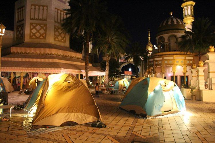 ITF旅展現場購買露營套票,每日前50名,加贈獨家限量禮物。圖/六福村提供