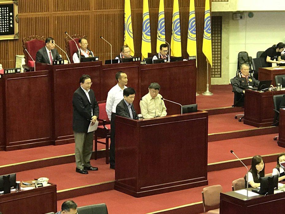 台北市長柯文哲下午在議會總質詢。記者楊正海/攝影
