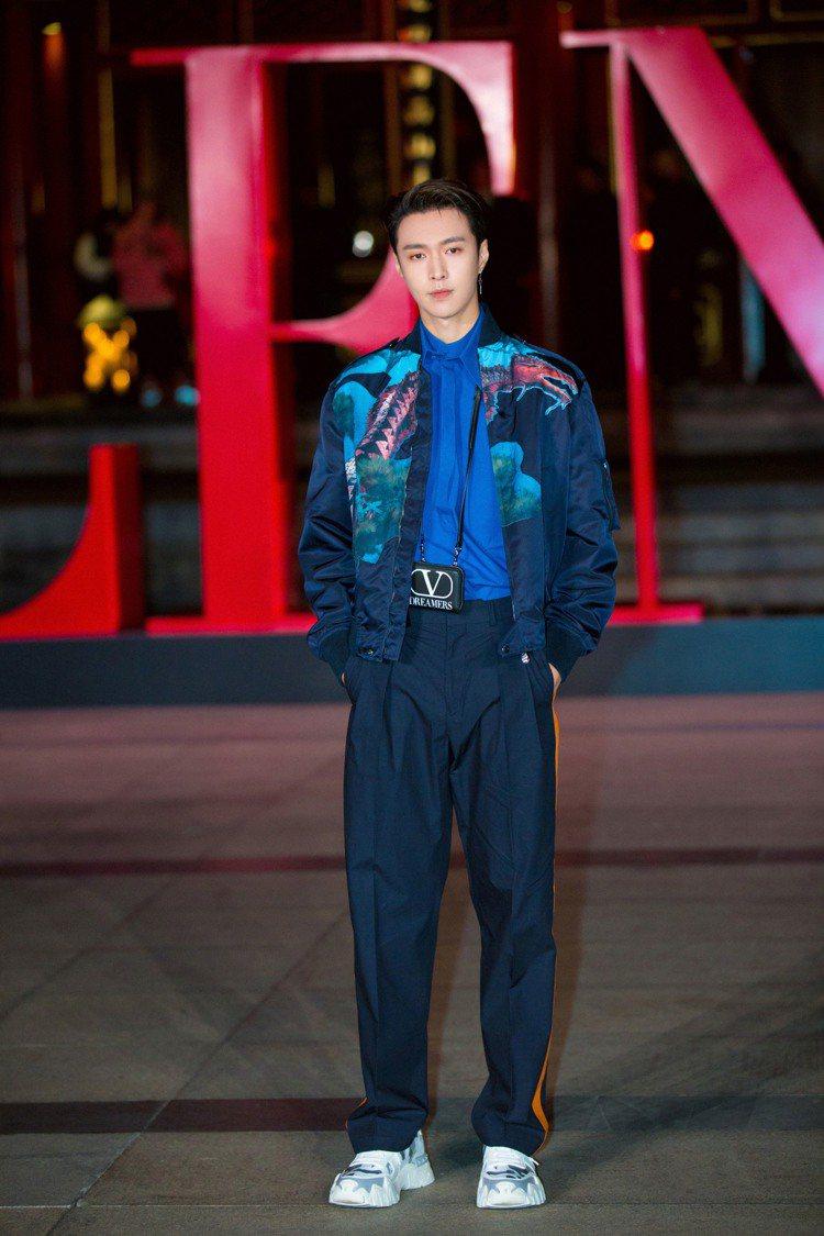 張藝興出席VALENTINO高級訂製北京系列發表,且是秀後派對的演唱嘉賓。圖/V...