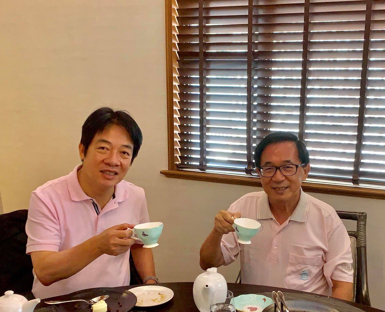 行政院前院長賴清德(左)與前總統陳水扁日前一起喝下午茶。對於「蔡賴配」即將成形,...