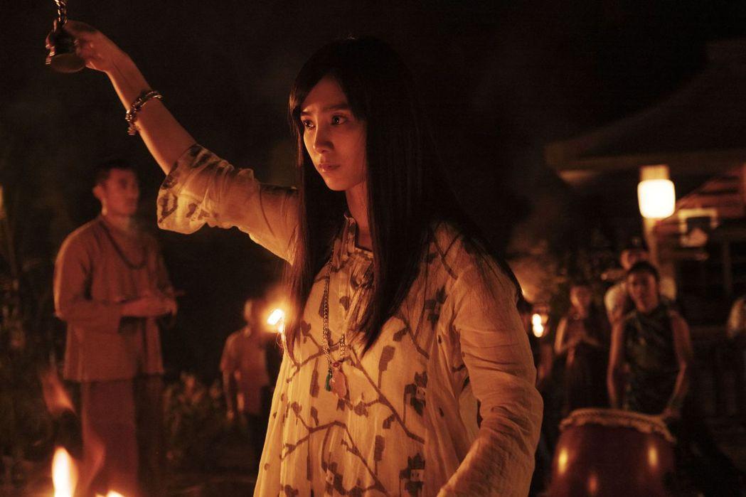 溫貞菱在「通靈少女2」中飾演另一宮廟的仙姑。圖/公視提供
