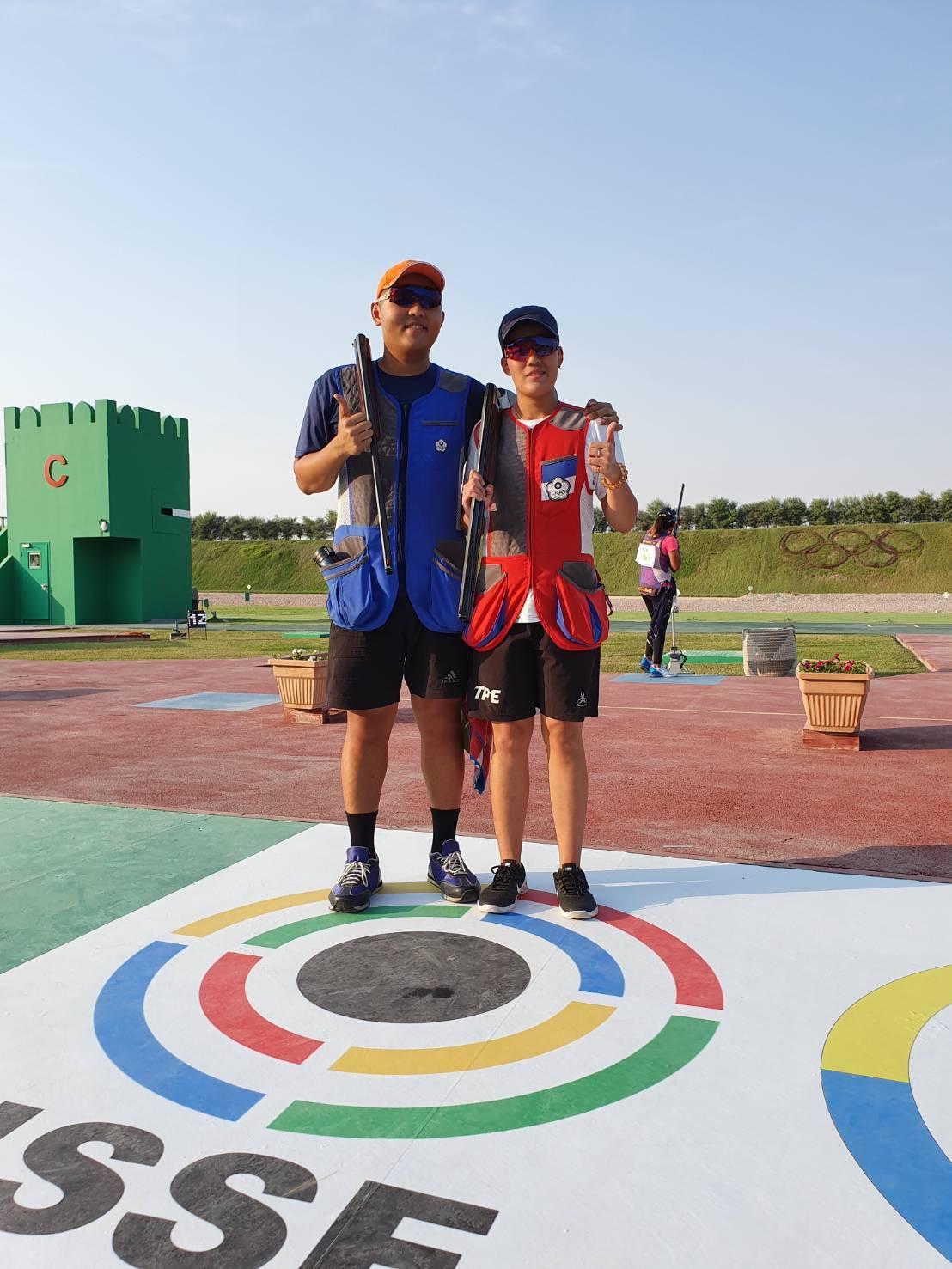 台灣射擊好手楊昆弼(左)與劉宛渝。圖/中華射擊協會提供