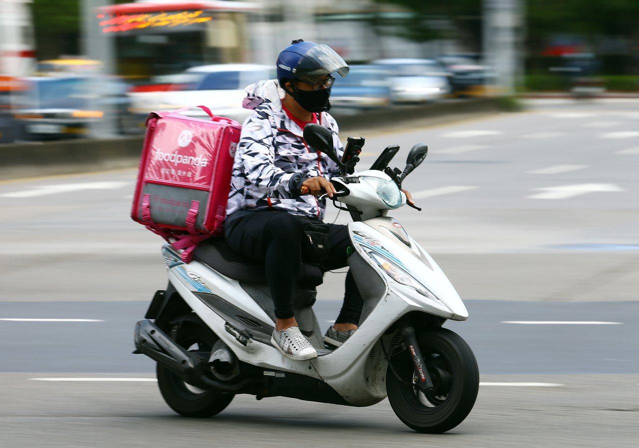美食外送平台foodpanda標示「店內價」的部分餐廳,實際標價仍高於在店內消費...