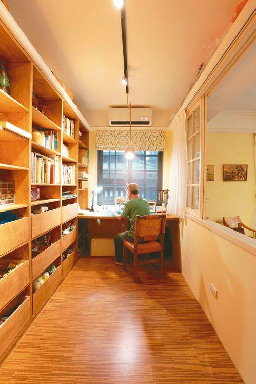 銀髮族也要有私密空間,宋大哥翻修時設計工作室,滿足製作手工藝的興趣,也讓收到禮物...