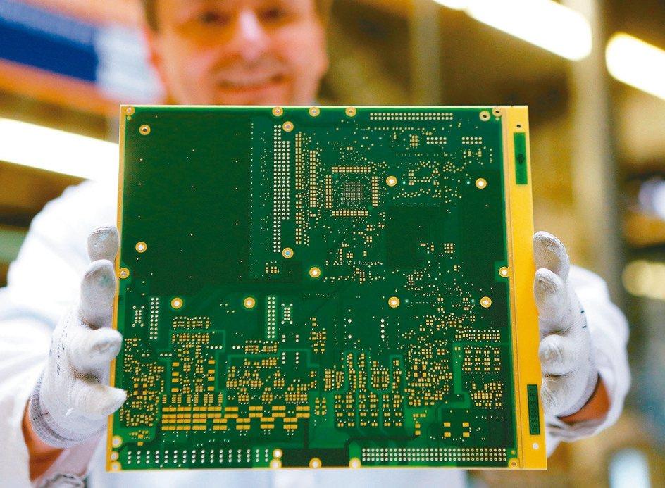 欣興、健鼎等四大績優股,獲內外資青睞。圖為印刷電路板(PCB)。 本報系資料庫