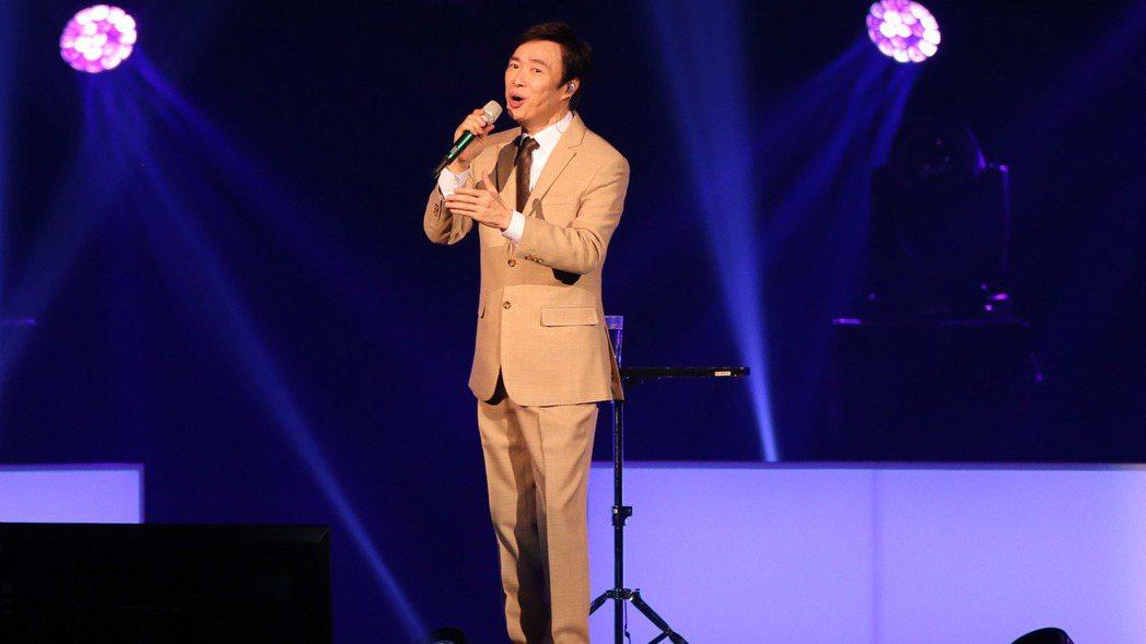 藝人費玉清昨天舉辦告別演唱會最終場,以最後的演唱告別這47年的演唱生涯。 記者許...