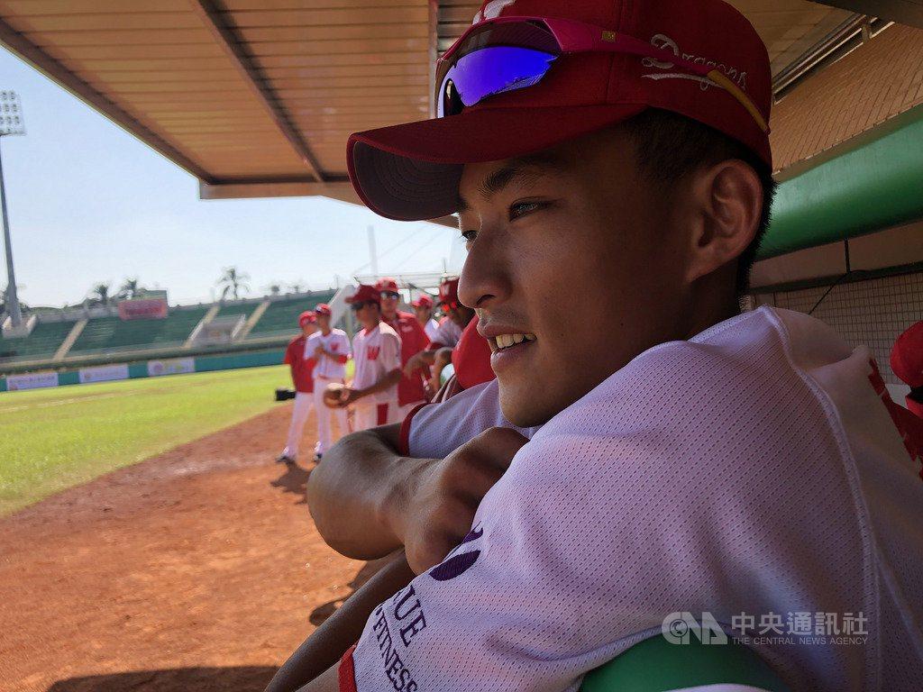 中職味全龍隊野手郭天信9日受訪表示,還沒有去想像以後跟職棒各隊球員對決的場面,「...