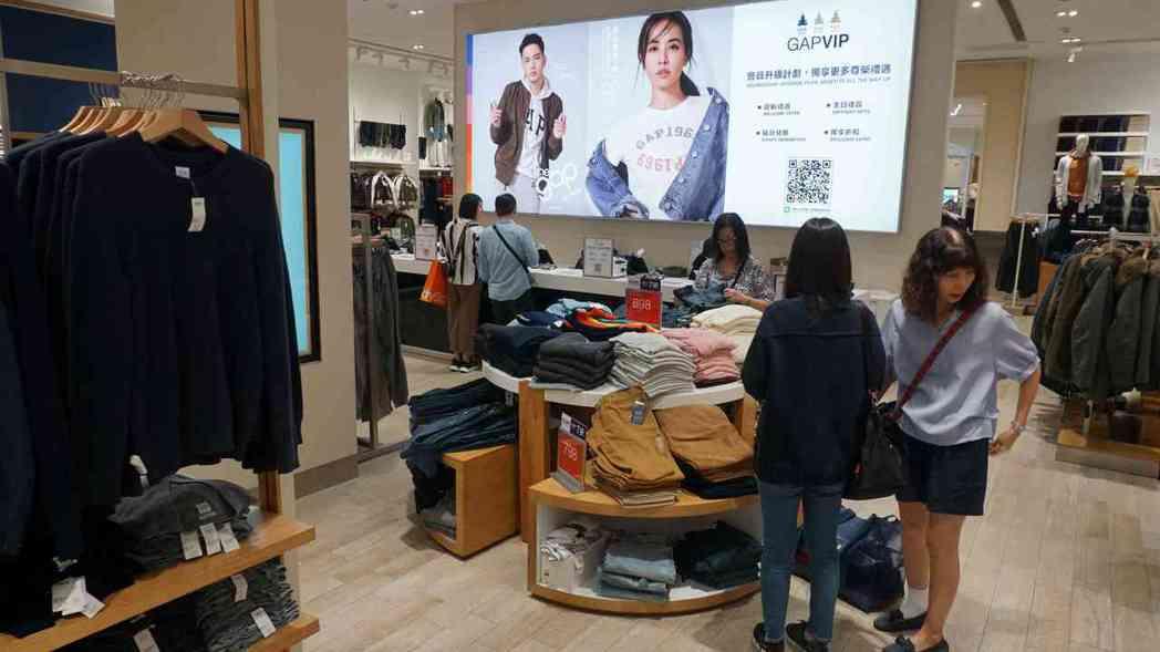 南紡購物中心五週年慶第二波檔期開打,館內ZARA、GAP及UNIQLO等五大快時...