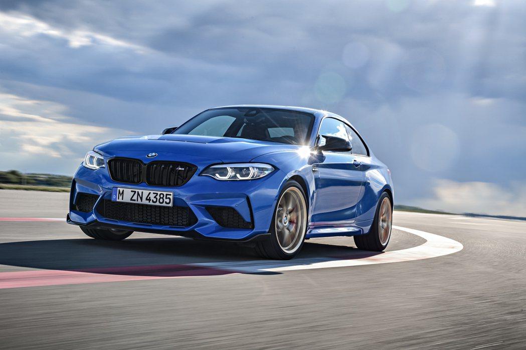 全新BMW M2 CS。 摘自BMW