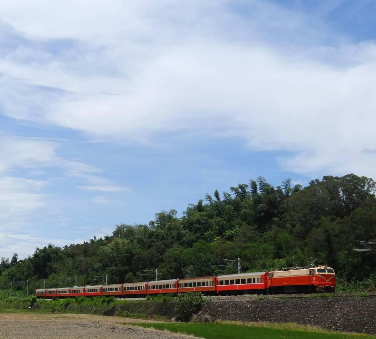 台鐵指出,自11月12日起將擇定10班次團體列車,開放提前3個月預售團體票,可到...