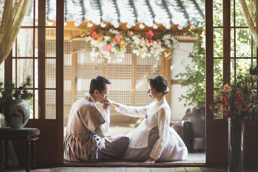 天心和韓籍老公金英敏慶祝結婚三週年,特地抽空拍攝婚紗照。圖/福隆經紀公司提供