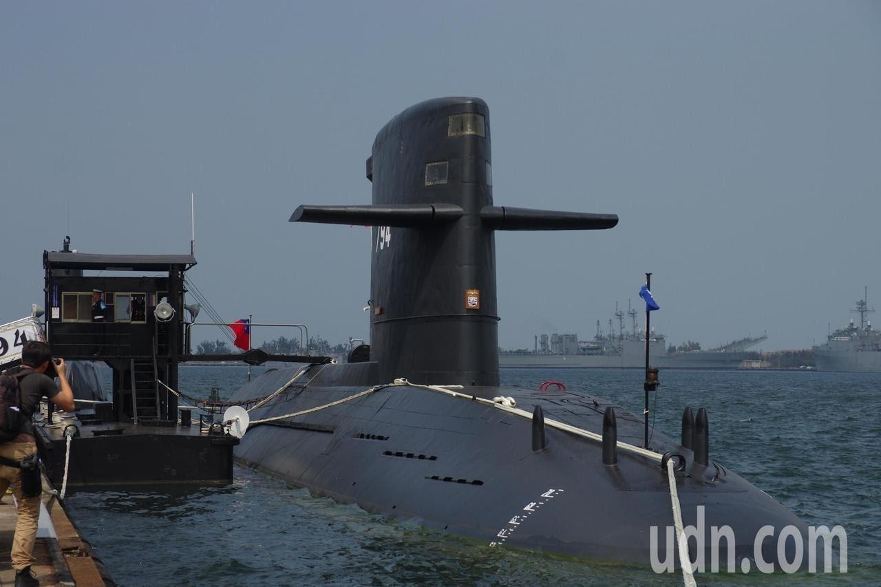 海軍司令部表示,潛艦國造絕非假議題,首艘原型艦將於113年下水。圖/本報資料照