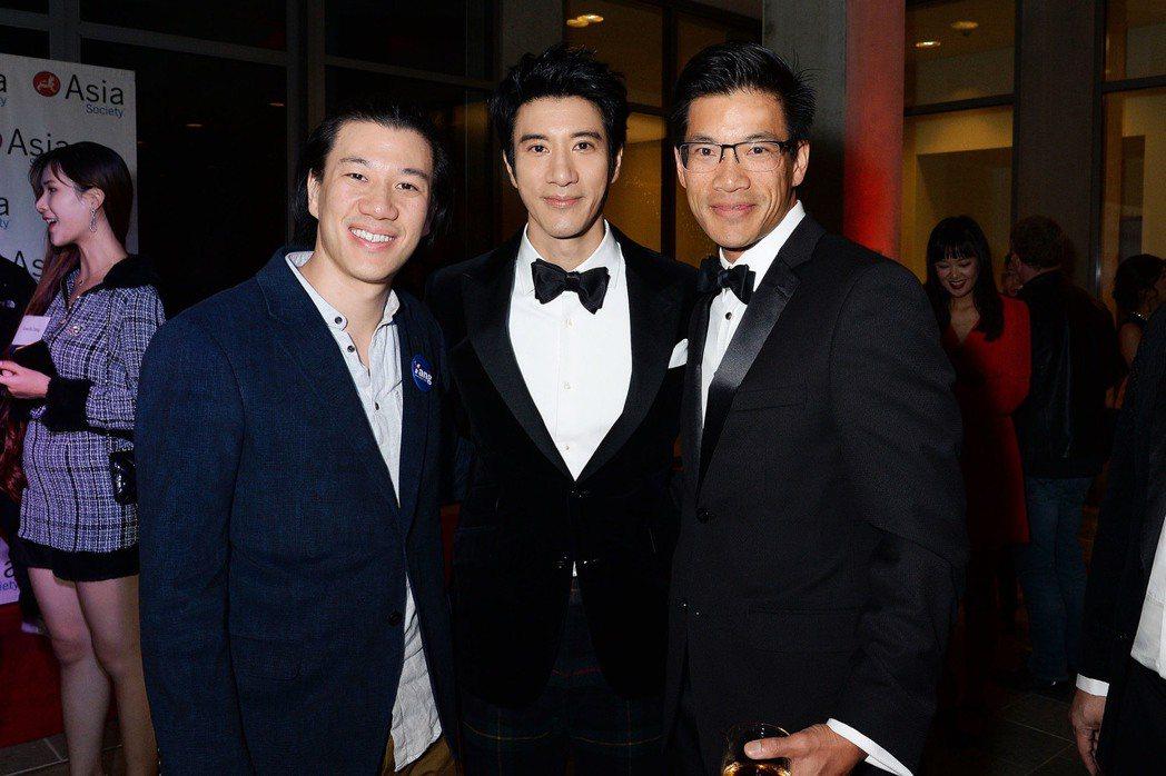 弟弟王力凱(左起)、王力宏和哥哥王力德皆出席亞洲文娛產業峰會。圖/宏聲音樂提供