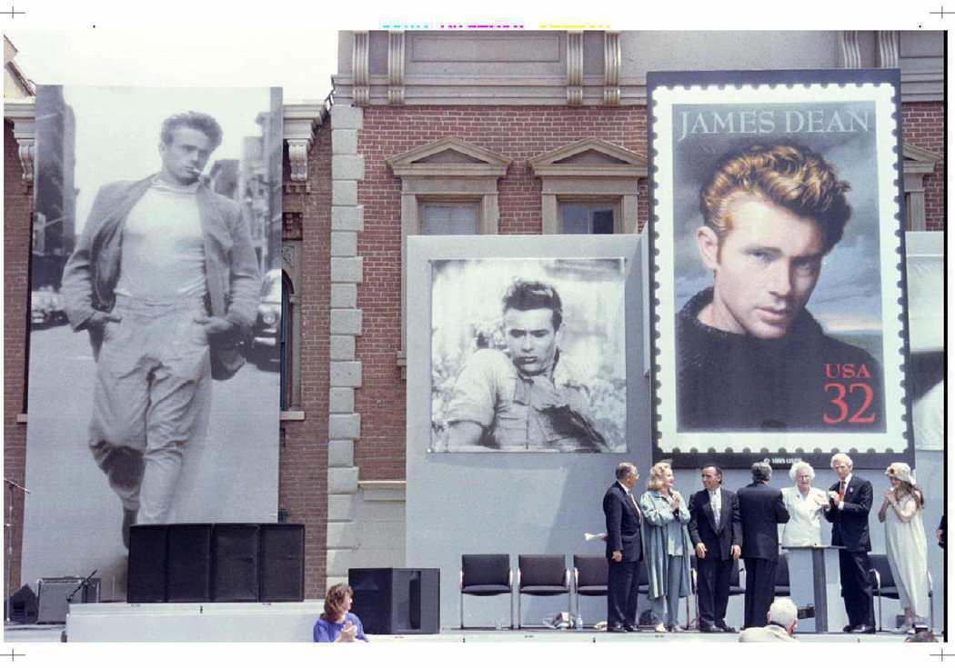 詹姆斯狄恩是影迷永遠難忘的偶像,美國曾發行紀念郵票。圖/路透資料照片