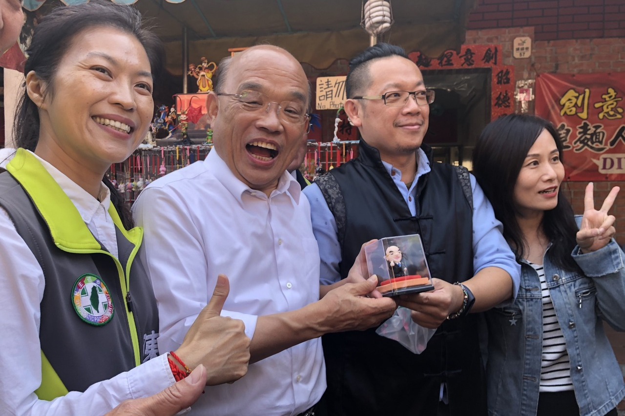 蘇貞昌題「關心台灣」燈籠 也關心陳秀寶立委選情