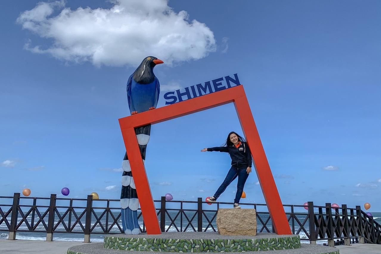 北海岸藍鵲觀海平台打卡新熱點 無敵海景加極北燈塔