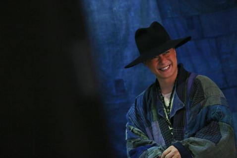 「Eason」陳奕迅將於12月9日起於香港紅磡體育館舉辦「Fear and Dreams」演唱會,連加場在內共計25場,場場門票開賣皆秒殺,而除了門票,這次演唱會周邊更與日本插畫家Noritake合...
