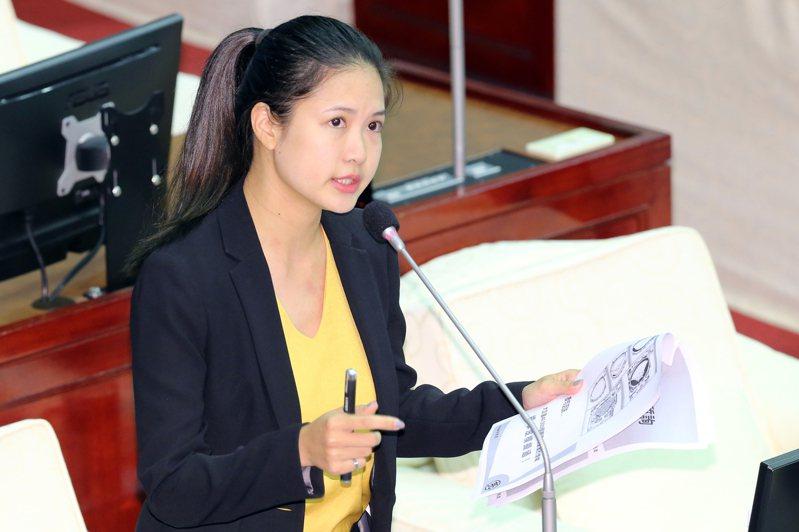 北市議員林亮君退出時代力量,她表示以無黨籍身分為選民服務,至於議會質詢,只要認同的議題,都會合作。記者許正宏/攝影