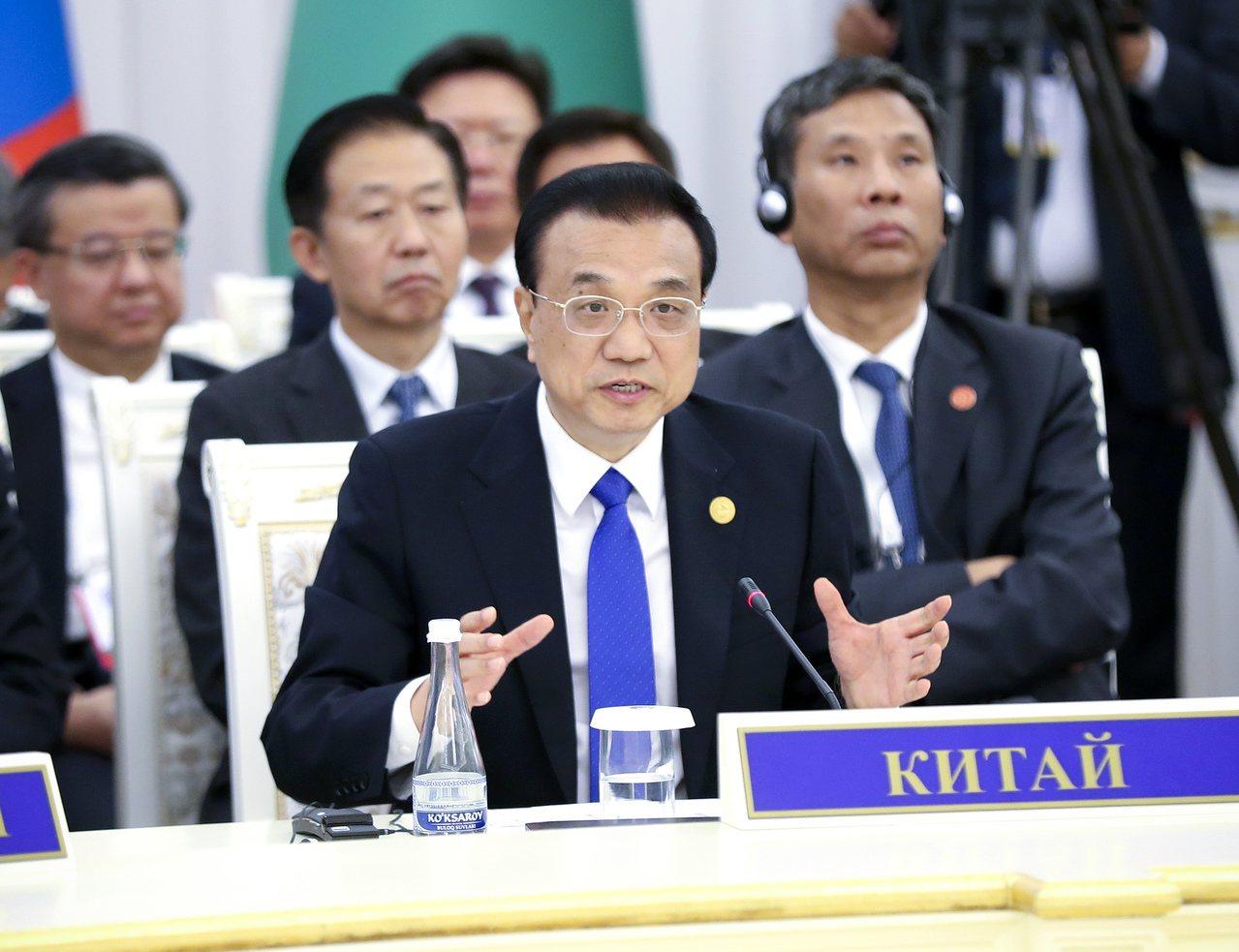 李克強六日主持召開國務院常務會議時,強調「穩定物價」至關重要。(中新社)