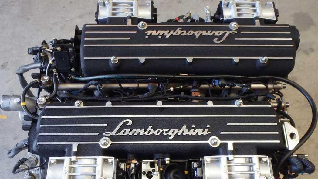 Lamborghini 6.2升V12引擎自然進氣引擎,能夠產生580ps馬力和...