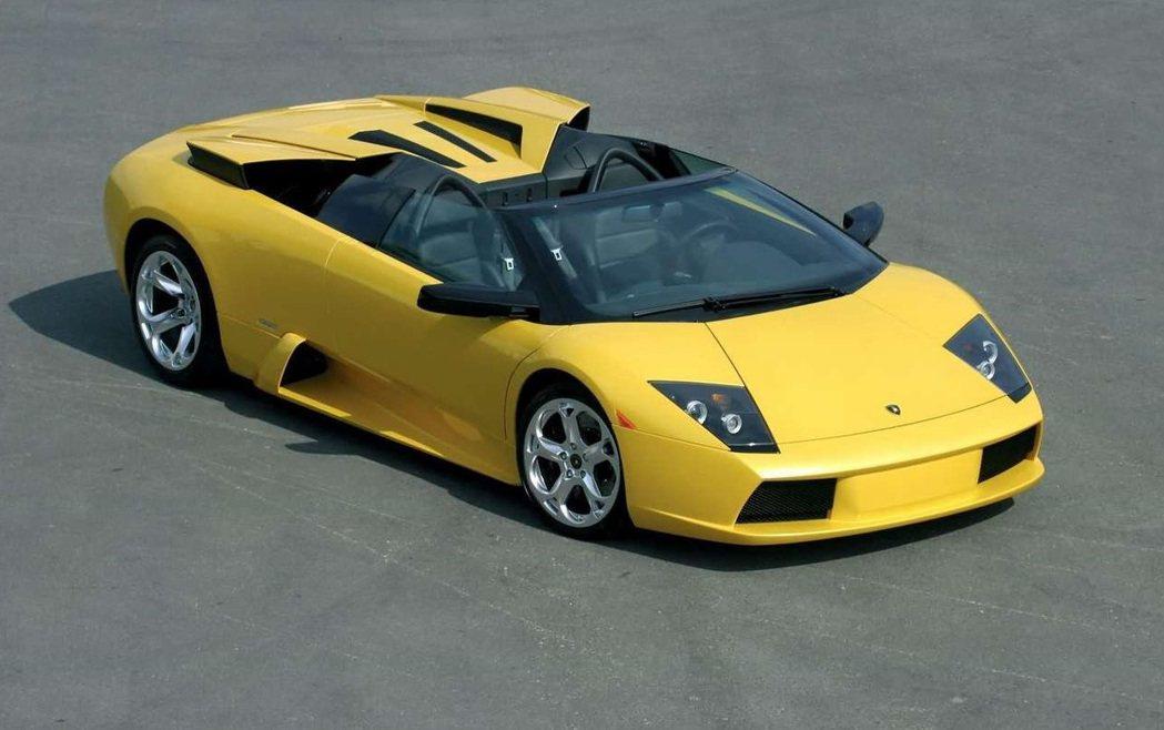 Lamborghini Murcielago Roadster。 摘自Lambo...