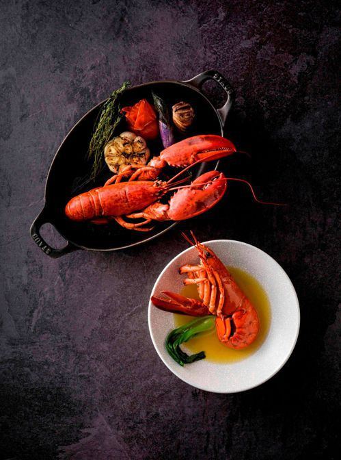 高雄國賓飯店11月15日晚上推出「龍蝦之夜」,提供九道中、西式龍蝦料理吃到飽以及...
