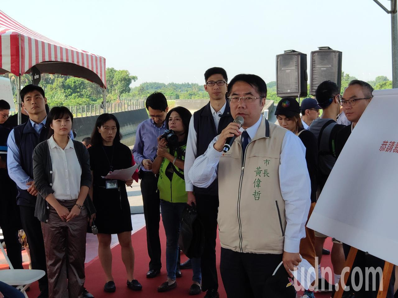 台南市長黃偉哲會中爭取南科三期開發加速。記者謝進盛/攝影