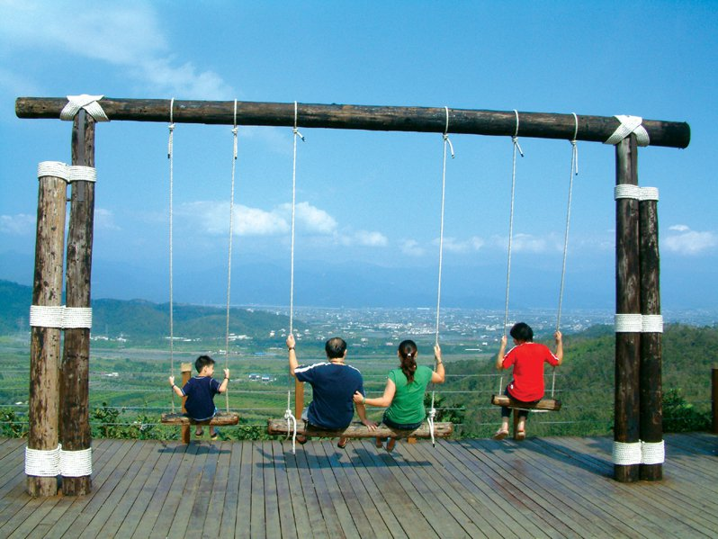 就這樣,就著藍天白雲度假去。圖/香格里拉農場提供