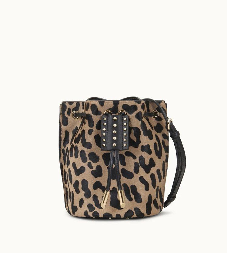 TOD'S AOI豹紋牛毛迷你水桶包,46,600元。圖/迪生提供